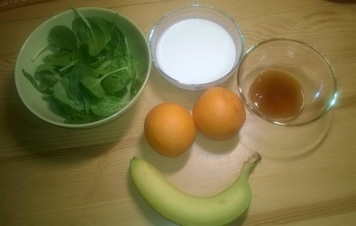 Koktajl bananowo- szpinakowy składniki