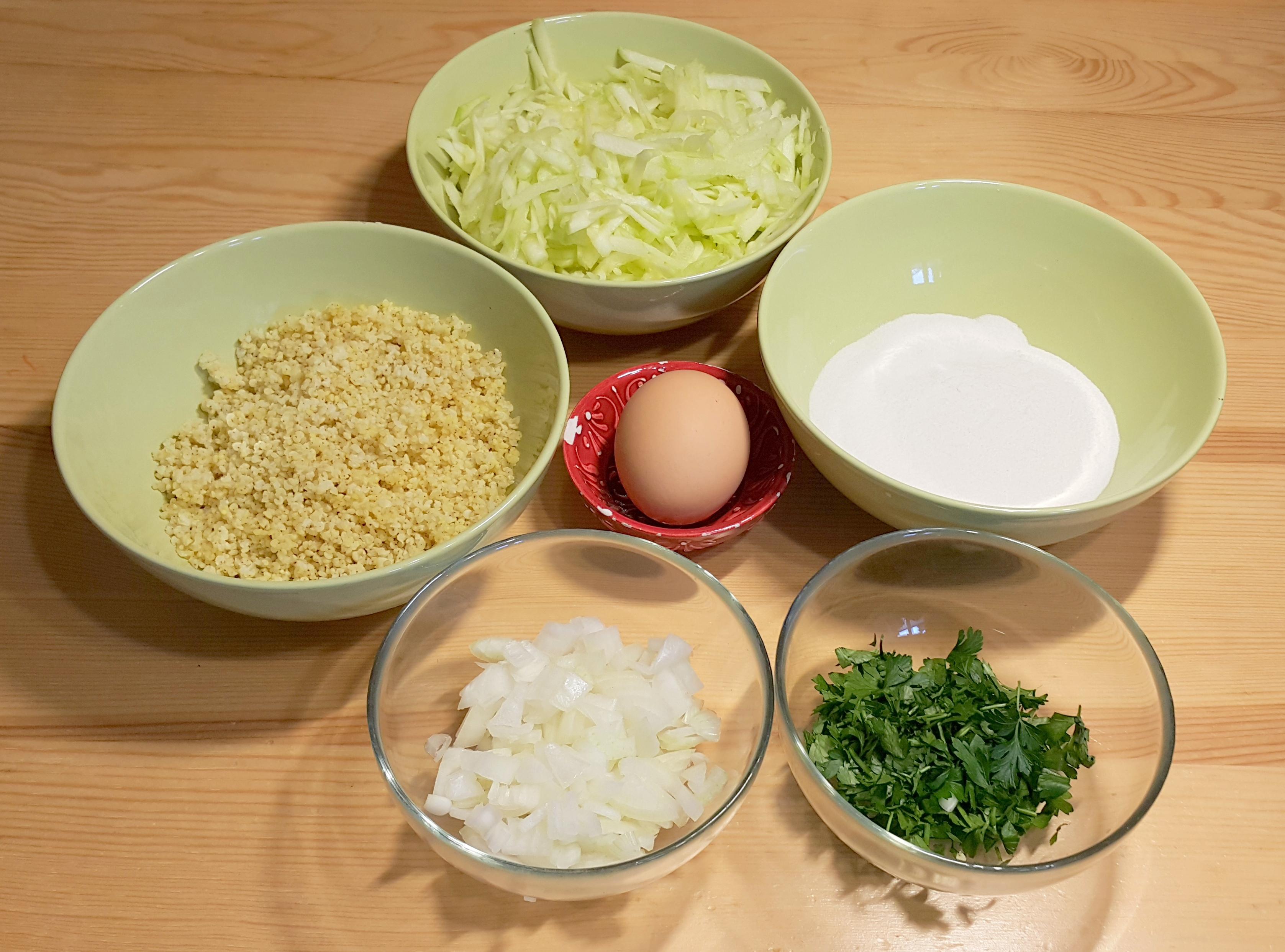 składniki kotleciki z kaszy jaglanej i cukinii