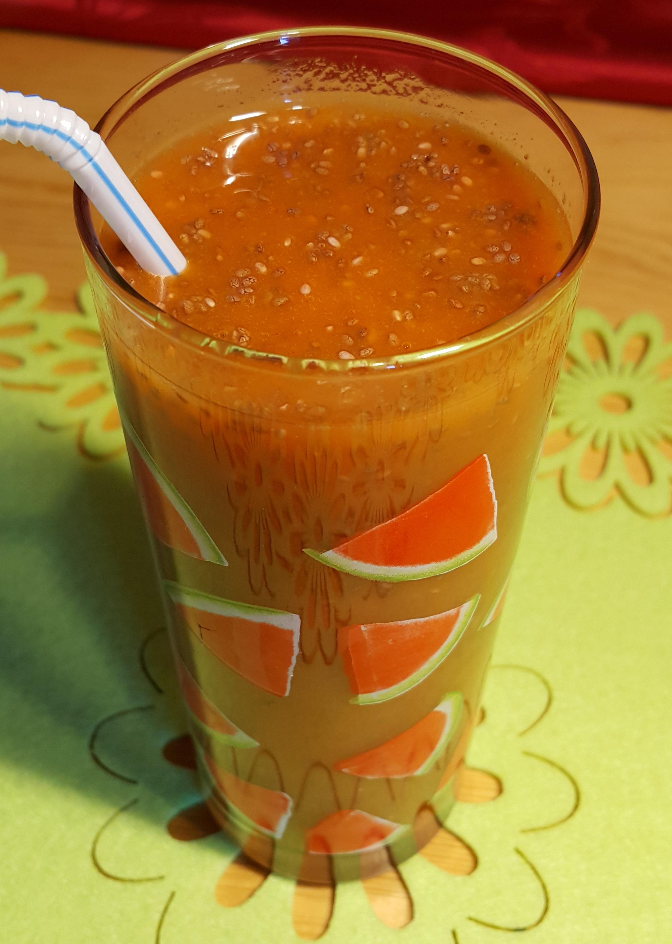 sok z pomarańczy,marakui, malin i chia